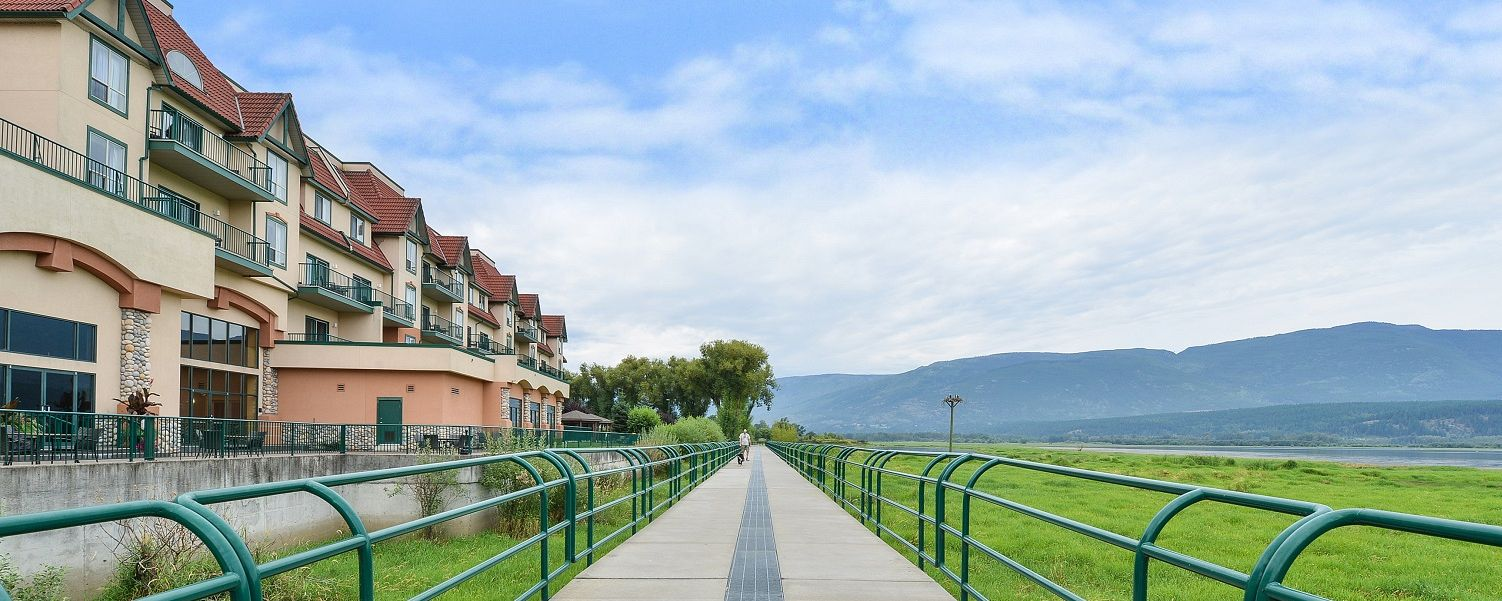Dog Friendly Hotels Salmon Arm Bc